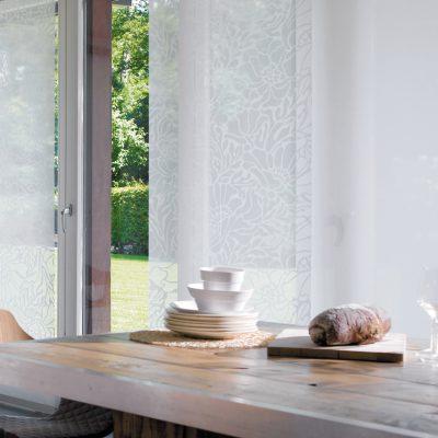 Teba Flächenvorhang 2616 weiß ausbrenner, Fenstersituation